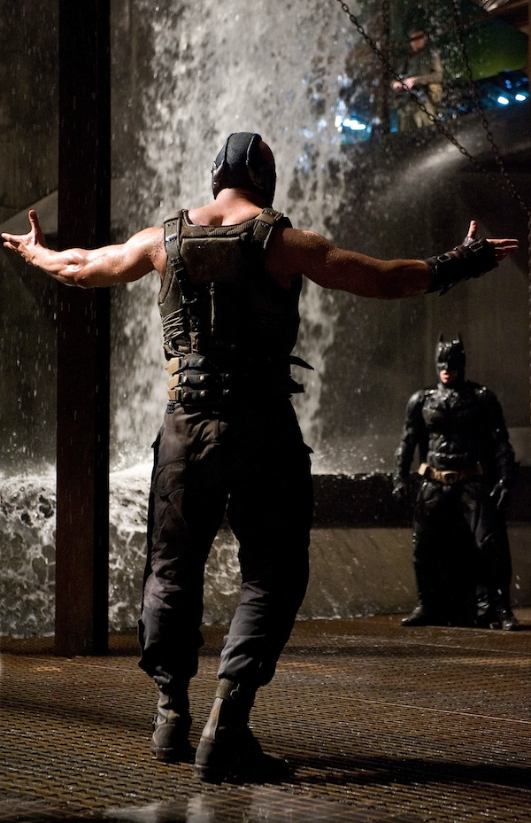 L-r: TOM HARDY as Bane and CHRISTIAN BALE as Batman in Warner Bros. Pictures' and Legendary Pictures' action thriller 'THE DARK KNIGHT RISES,