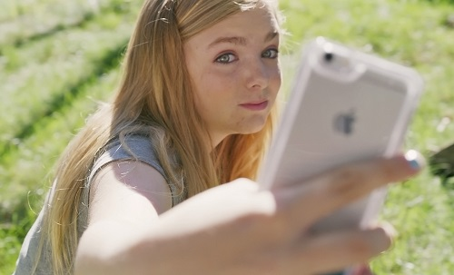 Elsie Fisher in Eighth Grade, photo courtesy A24.