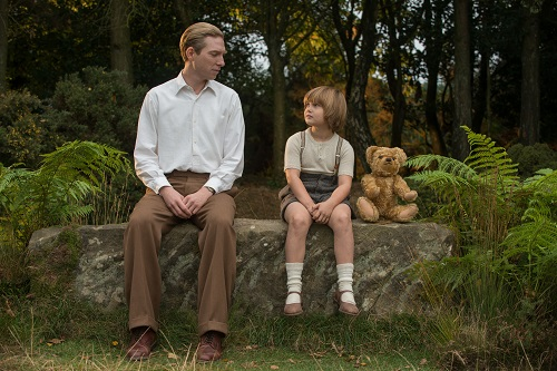 Domhnall Gleeson and Will Tilston in the film Goodbye Christopher Robin. Photo by: David Appleby - © 2017 Fox Searchlight Pictures.