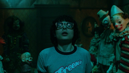 FINN WOLFHARD as Richie Tozier in New Line Cinema's horror thriller IT, a Warner Bros. Pictures release. Photo courtesy Warner Bros. Pictures, © 2017 WARNER BROS. ENTERTAINMENT INC. AND RATPAC-DUNE ENTERTAINMENT LLC.  ALL RIGHTS RESERVED.