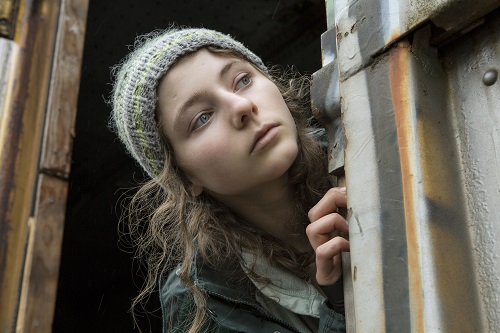 Thomasin Harcourt McKenzie stars as Tom in Debra Granik's LEAVE NO TRACE, a Bleecker Street release. Credit: Scott Green / Bleecker Street.