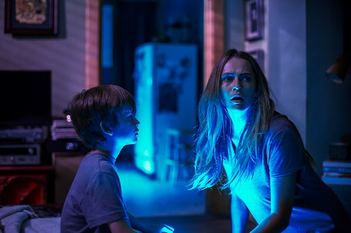 (L-R) GABRIEL BATEMAN as Martin and TERESA PALMER as Rebecca in New Line Cinema's horror film LIGHTS OUT, a Warner Bros. Pictures release. Photo by Ron Batzdorff.