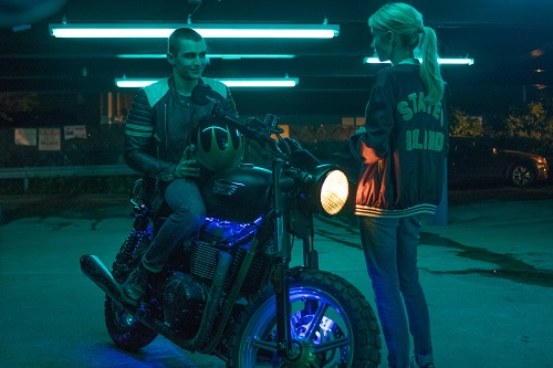 Ian (Dave Franco) and Vee (Emma Roberts) in NERVE. Photo Credit: Niko Tavernise.