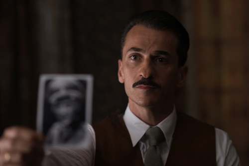 Michael Aronov stars as Zvi Aharoni in OPERATION FINALE, written by Matthew Orton and directed by Chris Weitz, a Metro Goldwyn Mayer Pictures film. Credit: Valeria Florini / Metro Goldwyn Mayer Pictures © 2018 Metro-Goldwyn-Mayer Pictures Inc. All Rights Reserved.