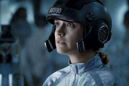 OLIVIA COOKE as Samantha in Warner Bros. Pictures', Amblin Entertainment's and Village Roadshow Pictures' action adventure READY PLAYER ONE, a Warner Bros. Pictures release. Photo Credit: Jaap Buitendijk. © 2018 WARNER BROS. ENTERTAINMENT INC., VILLAGE ROADSHOW FILMS (BVI) LIMITED AND RATPAC-DUNE ENTERTAINMENT.