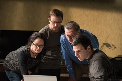 (Left to right) Academy Award® winner Melissa Leo as Laura Poitras, Joseph Gordon-Levitt as Edward Snowden, Academy Award® Nominee Tom Wilkinson as Ewen MacAskill and Zachary Quinto as Glenn Greenwald in Academy Award® winning director Oliver Stone's international thriller SNOWDEN. Photo credit: Jürgen Olczyk / Distributor: Open Road Films.
