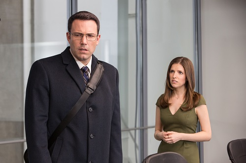 l-r) BEN AFFLECK as Christian Wolff and ANNA KENDRICK as Dana Cummings in Warner Bros. Pictures'