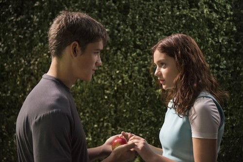 BRENTON THWAITES and ODEYA RUSH star in THE GIVER Copyright: © 2014 The Weinstein Company. All Rights Reserved. / Photo: DAVID BLOOMER