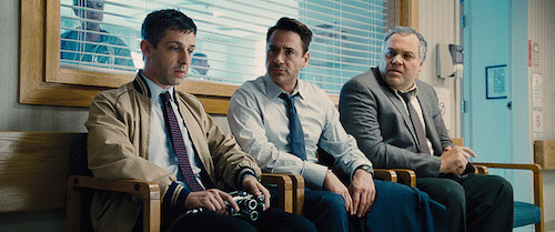 (L-r) JEREMY STRONG as Dale Palmer, ROBERT DOWNEY JR. as Hank Palmer and VINCENT D'ONOFRIO as Glen Palmer in Warner Bros. Pictures' and Village Roadshow Pictures' drama