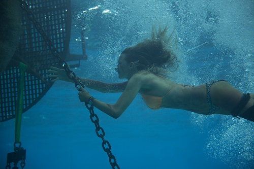 Nancy (Blake Lively) in Columbia Pictures' THE SHALLOWS. Photo courtesy Sony Pictures Entertainment.