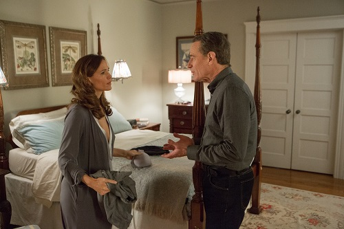 Bryan Cranston as Howard Wakefield and Jennifer Garner as Diana Wakefield in Robin Swicord's WAKEFIELD. Photo by Gilles Mingasson. Courtesy of IFC Films. An IFC Films release.