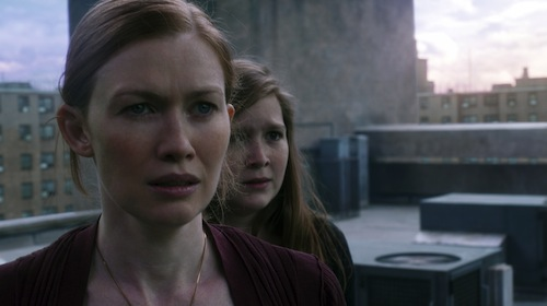 Left to right: Mireille Enos is Karin Lane and Abigail Hargrove is Rachel Lane in WORLD WAR Z, from Paramount Pictures and Skydance Productions in association with Hemisphere Media Capital and GK Films.