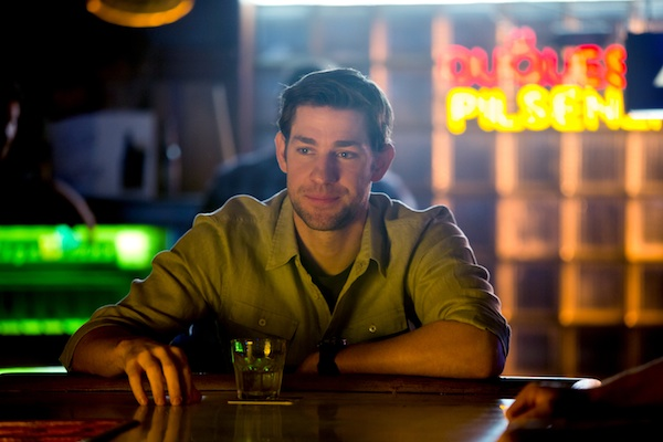 John Krasinski stars as Dustin Noble in Gus Van Sant's contemporary drama PROMISED LAND, a Focus Features release.  Credit: Scott Green