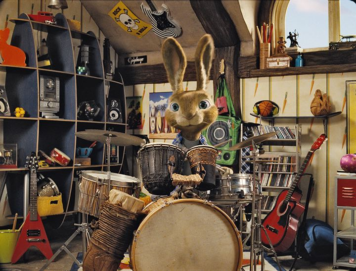 In Hop, the new live action/CG-animated comedy from the producers of Despicable Me and the director of Alvin and the Chipmunks, E.B. (voiced by RUSSELL BRAND), the teenage son of the Easter Bunny, is on a mission to save Easter.
