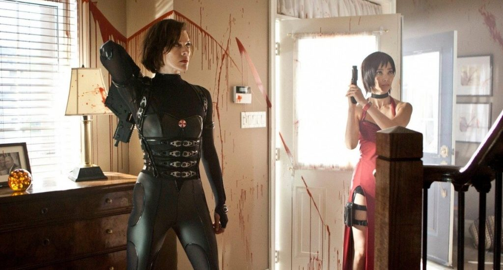 Milla Jovovich as Alice and Bingbing Li as Ada Wong in Resident Evil: Retribution.