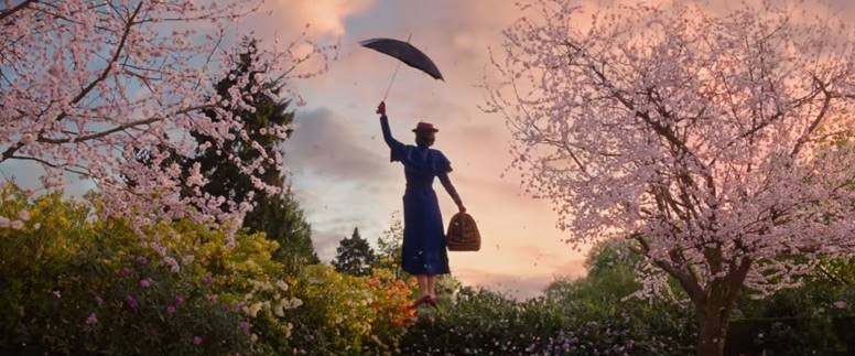Emily Blunt and the umbrella in Mary Poppins Returns (2018)