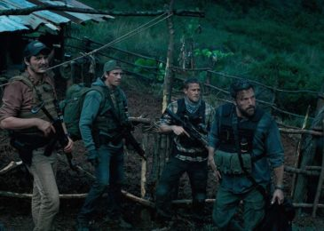 Ben Affleck, Pedro Pascal, Charlie Hunnam, and Garrett Hedlund in Triple Frontier (2019)