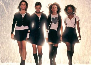 Fairuza Balk, Neve Campbell, Robin Tunney, and Rachel True in The Craft (1996)