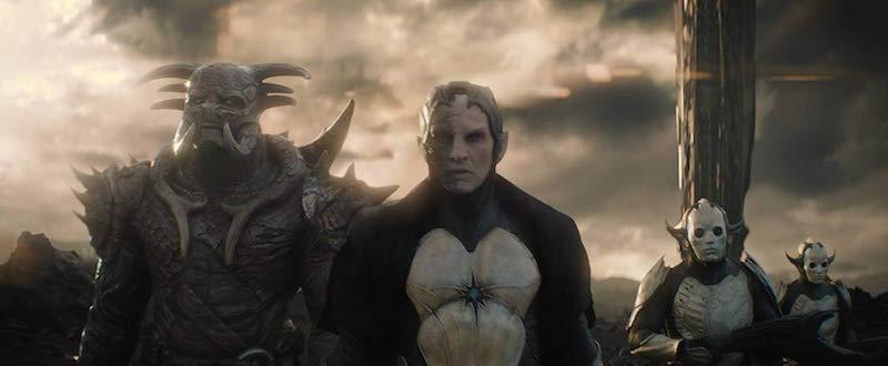 Christopher Eccleston and Adewale Akinnuoye-Agbaje in Thor- The Dark World (2013)